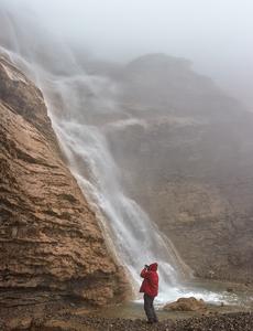водопад в тумане